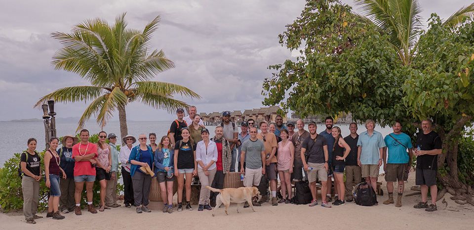 groupphoto_fiji_2016_beach_web